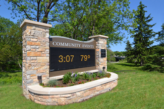 Mequon_Sign